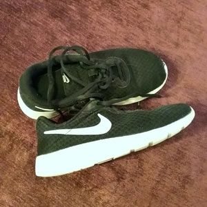 Nike shoes Youth Size 2.5Y